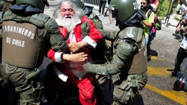 Militärpolizei vs. Weihnachtsmann