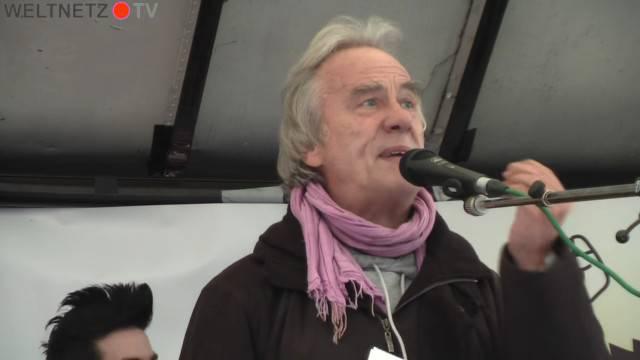 Reiner Braun sprach auf der Demo gegen Sicherheitskonferenz 2016