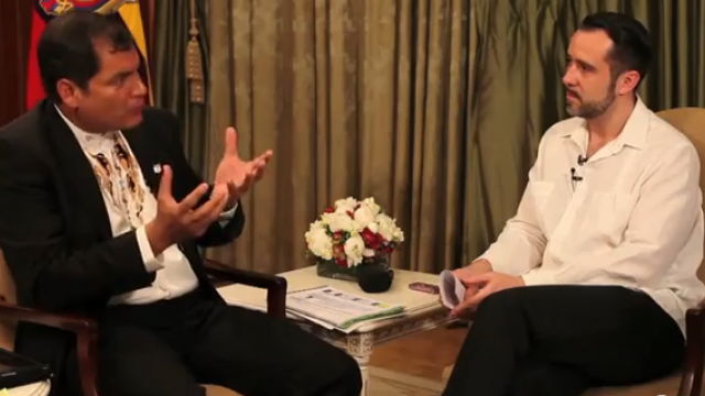Präsident Rafael Correa im Gespräch mit weltnetz.tv-Redakteur Harald Neuber