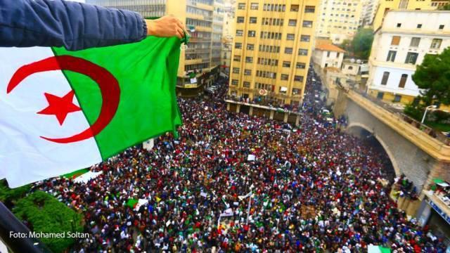 Algerien marschiert weiter.