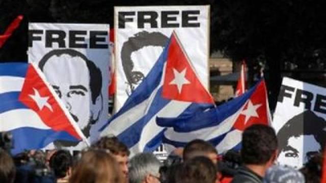 """Demonstration für die """"Cuban Five"""""""