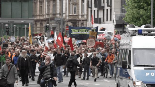Blockupy-Großdemo in Frankfurt von Polizei abgebrochen