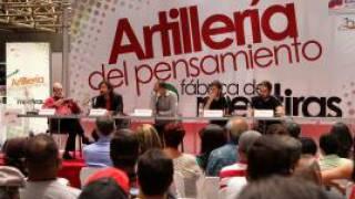 Podium des Telesur-Kongresses in Caracas