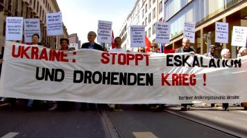 Demo in Berlin: Kein Frieden mit NATO und EU