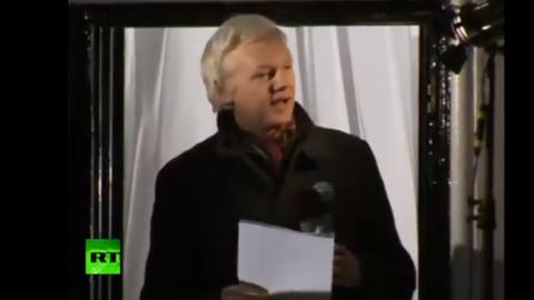 Julian Assange bei seiner Ansprache in London